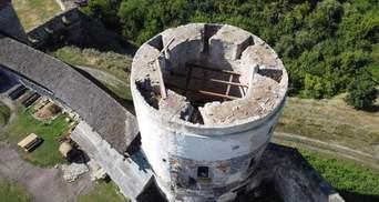 Вітер зірвав дах із Кам'янець-Подільської фортеці: фото пошкодженої пам'ятки