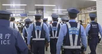 У Токіо невідомий з ножем напав на пасажирів метро: є постраждалі