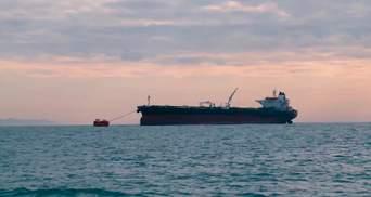 У Крыма произошел выброс нефти в российском порту