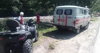 Пищевое отравление в горах: в Карпатах стало плохо группе туристов, среди них – дети