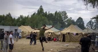 Біженці влаштували заворушення на кордоні Білорусі та Литви: у повітря підняли вертоліт