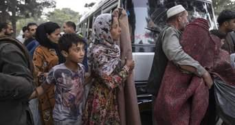 """Американцев призывают быстро покинуть Афганистан из-за наступления """"Талибана"""" – Голос Америки"""