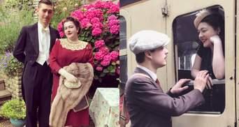 Граммофон и винтажная одежда: пара отказалась от современного комфорта, чтобы жить в 1930-х