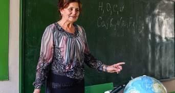 В школах працює 72 тисячі вчителів-пенсіонерів, але їх не виганятимуть, – Шкарлет