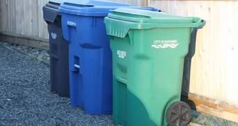 Искали 25 тысяч долларов среди 6 тонн мусора: семья случайно выбросила сбережения бабушки