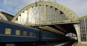 Едет по жаре 29 часов: Укрзализныця убрала кондиционирование в поезде