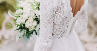 Свадебное платье с каркасом для шампанского: невеста удивила гостей на церемонии