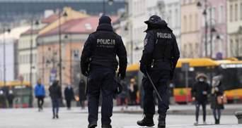 Связали ремнем: в Польше после задержания полицией погиб украинец