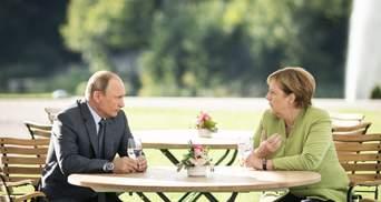 У неї є відповідальність за долю України, – політолог про візит Меркель до Росії