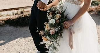 Невеста в свадебном платье регулировала движение на дороге: почему женщина сбежала с фотосессии
