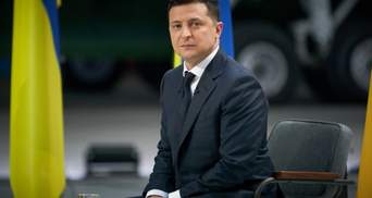 Зеленский ввел в действие санкции против главаря боевиков Пушилина и нардепа Деркача