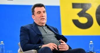 Маємо ж гривню, – Данілов поскаржився на засилля долара та євро в Україні
