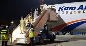 """""""У нас фактически украли самолет"""": в МИД рассказали шокирующие подробности эвакуации из Кабула"""