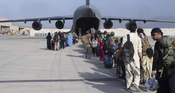 Ситуацію в аеропорту Кабула хоче контролювати Туреччина, а Канада відмовляється від евакуації