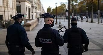 Замотанные в одежду: во Франции мужчина обнаружил останки детей в собственном доме