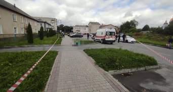 Приїхала знайти роботу: на Житомирщині чоловік посеред вулиці вбив незнайому жінку