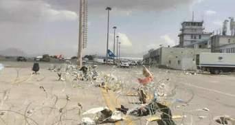 """Талибы захватили аэропорт Кабула и заявили о """"полном освобождении"""" Афганистана"""