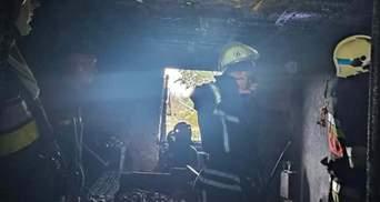 На Львовщине пламя едва не уничтожило жилой дом: пожар тушили 10 спасателей