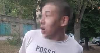 Одесит заснув під час грабування квартири: не хотів нікуди йти