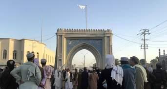 """""""Перепустка на ринки всього світу"""": таліби назвали Китай головним партнером Афганістану"""