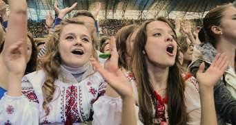 Впервые за время независимости больше половины украинцев в быту говорят только на украинском