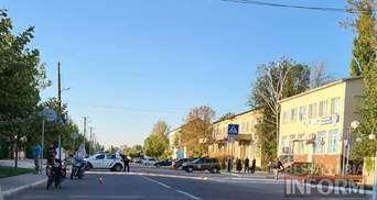 Несовершеннолетний сын полицейской сбил 7-летнюю девочку в Одесской области: она в коме
