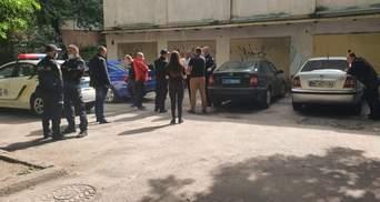 Львівського поліцейського спіймали п'яним за кермом: фото з місця події