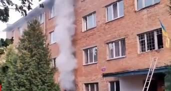 Була вибухова хвиля: студенти з Умані розповіли, як рятувалися під час пожежі