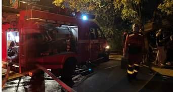 В Киеве горело общежитие КНЭУ: фото с места