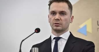 Чорти з політичного пекла і надалі в КСУ, – у DEJURE пояснили конституційну кризу