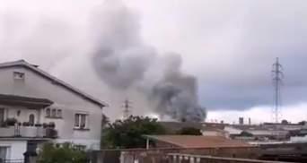 На заводе во Франции вспыхнул пожар, людей просят оставаться дома: видео с места событий