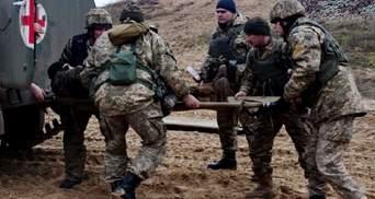 Боевики продолжают атаковать в разных направлениях: пострадали семь украинских защитников