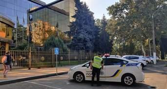 Шукають вибухівку одразу в 3 судах Одеси: назвали список мінувань