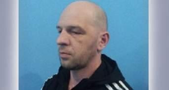 Побег обвиняемого из Луцкого суда: полиция ищет злоумышленника и опубликовала его фото