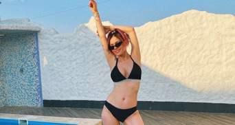 MamaRika показала фігуру в купальнику через півтора місяця після пологів: приголомшливі фото