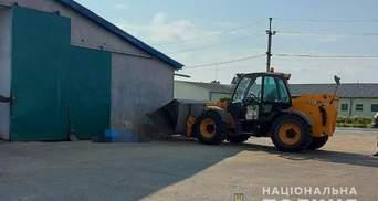 На Волыни трактор раздавил ковшом работницу предприятия: женщина погибла на месте