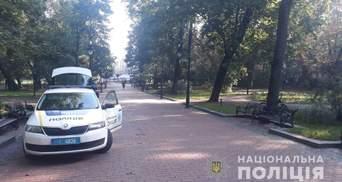 Перелом позвонка и черепно-мозговая травма: во львовском парке велосипедист сбил женщину