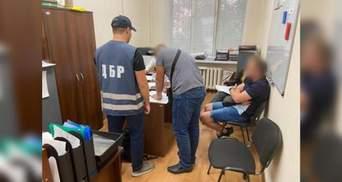 Пытали и требовали деньги: задержали полицейскую банду из Днепра