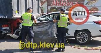У Києві судитимуть водія, який зп'яну затиснув жінку між машиною та вантажівкою