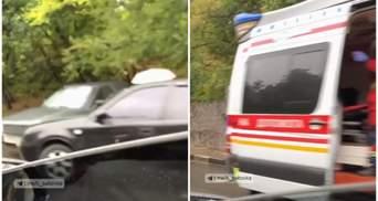 В Харькове столкнулись 5 авто: на место вызвали скорую