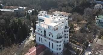 Окупанти бідкаються, що Зеленський перестав платити за комуналку у кримській квартирі
