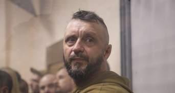 Судьи держат интригу, – адвокат сказал, почему не смягчают меру пресечения Антоненко