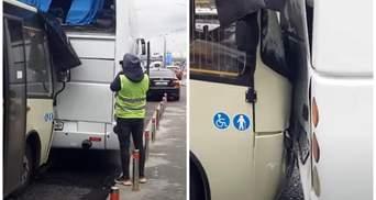 Нажал на газ вместо тормоза: в Киеве маршрутка врезалась в автобус