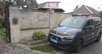 В Киевской области неизвестные напали на пенсионеров и ограбили их дом