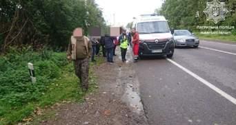 Заснув за кермом: водій Mercedes збив 15-річного хлопця на узбіччі траси Львів – Шегині