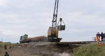 Из-за провала под путями на Буковине движение поездов там могут больше не восстановить