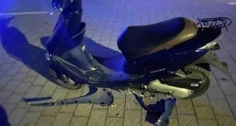 Недалеко от Львова в ДТП пострадали несовершеннолетние скутеристы
