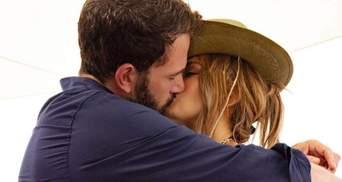 Поцелуи и объятия: Дженнифер Лопес и Бен Аффлек устроили свидание в Нью-Йорке