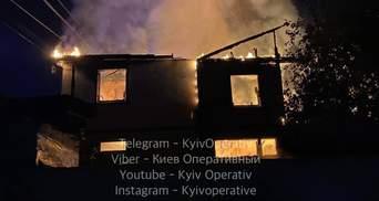 На Русанівських садах у Києві заживо згорів чоловік: моторошні фото