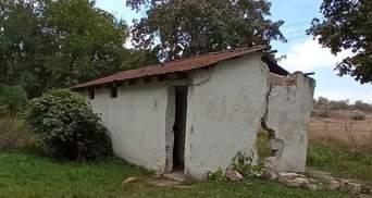 Школьников в оккупированном Крыму заставляли ходить в туалет в выгребную яму